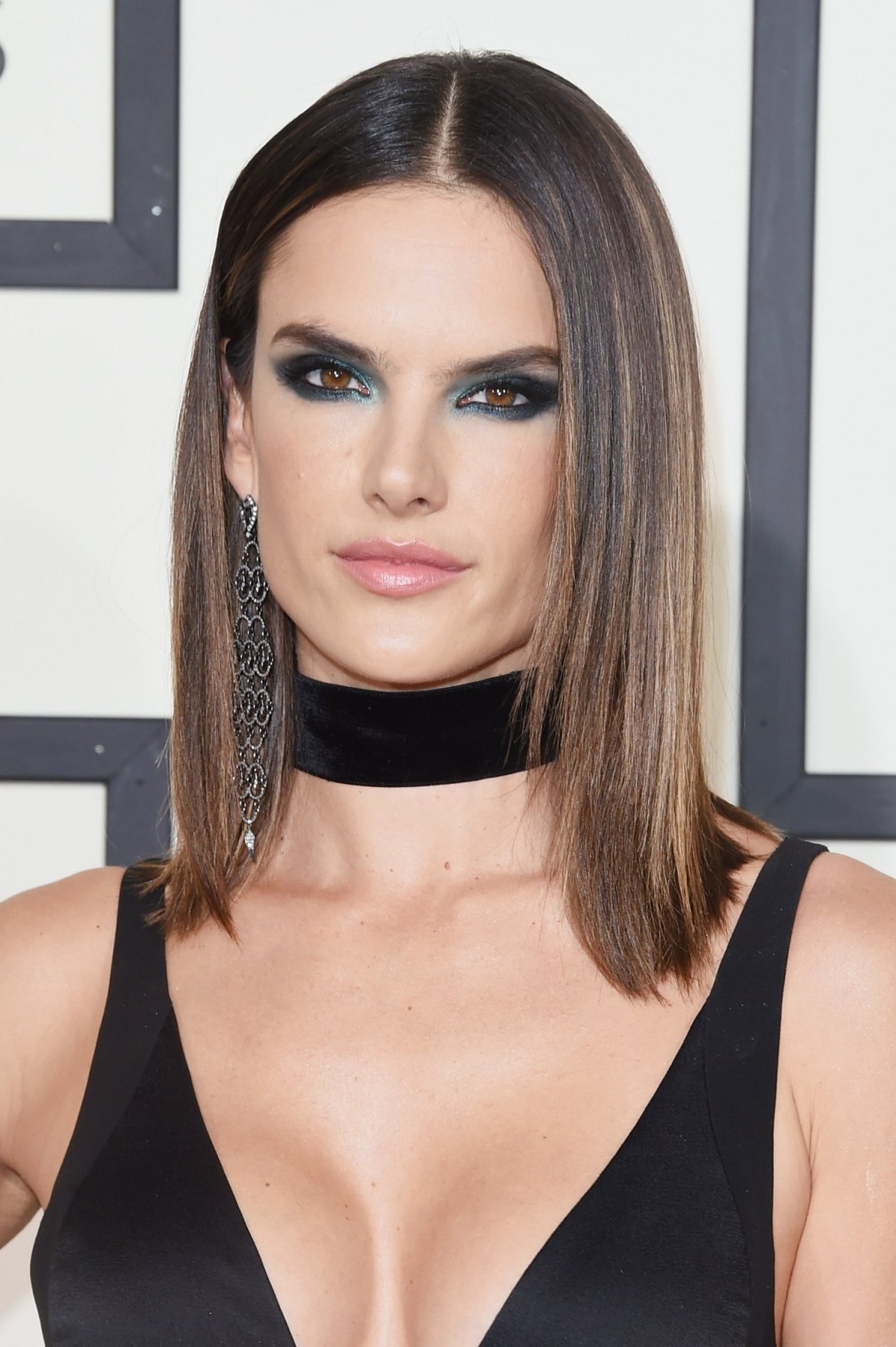 the-58th-grammy-awards-alessandra-ambrosio2